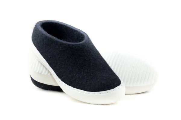 Felt shoes-430